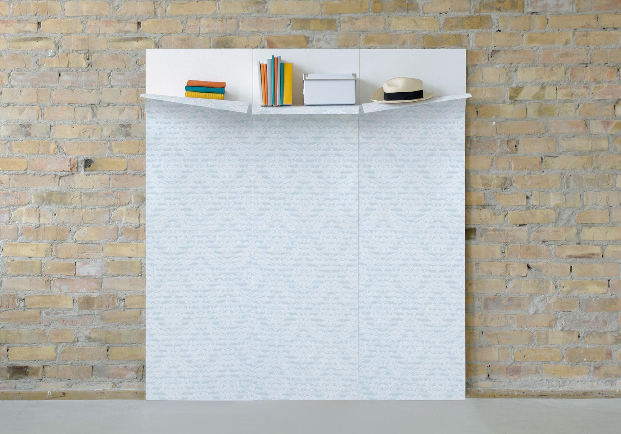 Die dreidimensionale Tapete kann als Ablagefläche unter der Raumdecke verwendet werden.
