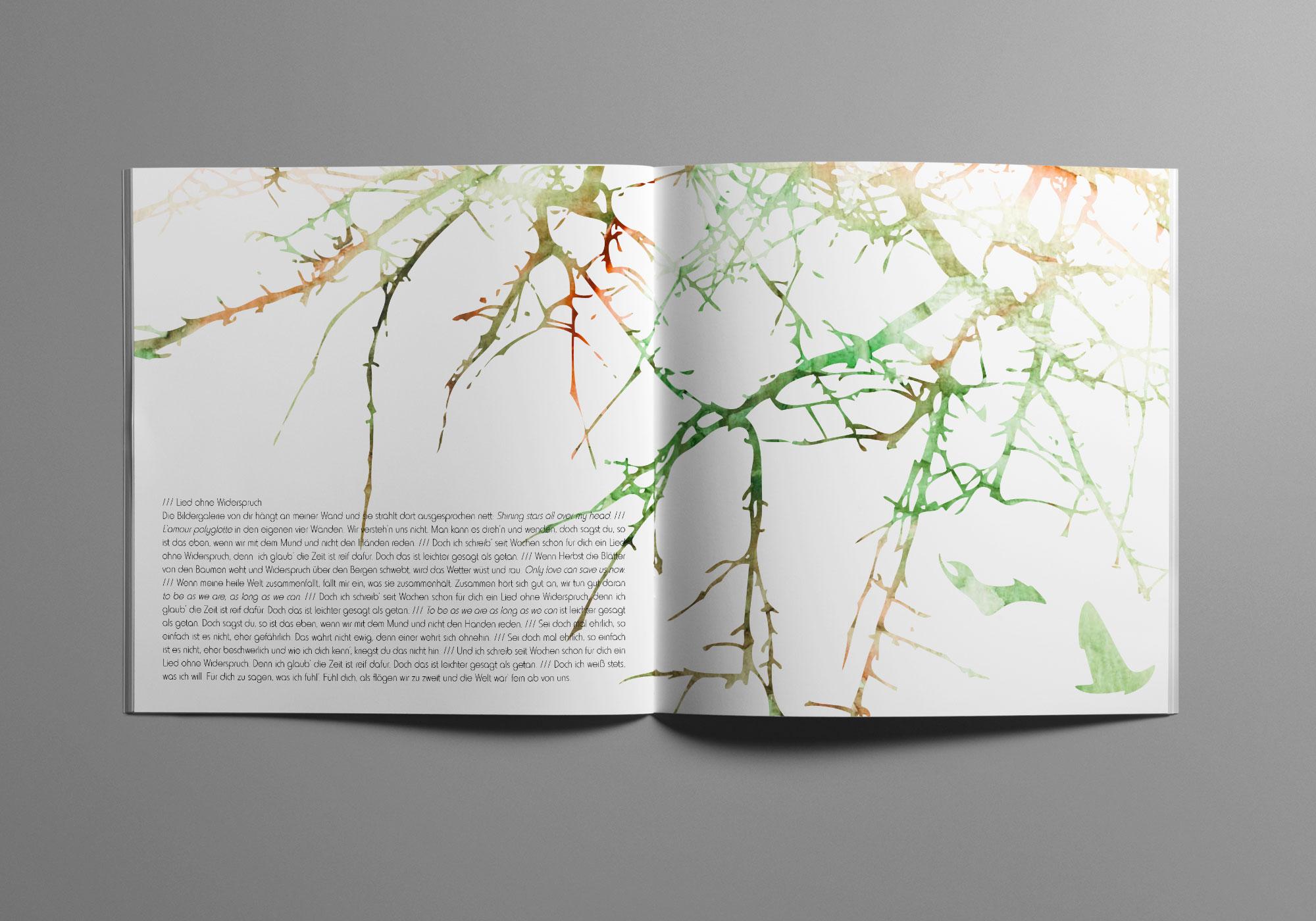 Die Doppelseite des Album Artworks zeigt feines Astwerk.